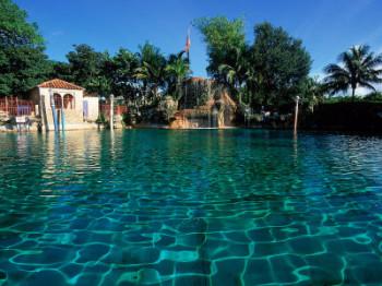 Venetian_pool1