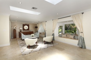 001-Living_Room_You_Can_Live_In_-1824279-medium