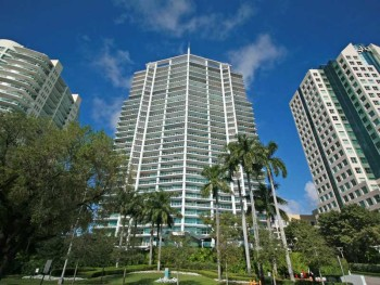 Grovenor House | 2627 S. Bayshore Drive