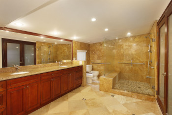 012-Master_Bath_with_His___Hers_Wash_Spaces-1969163-large