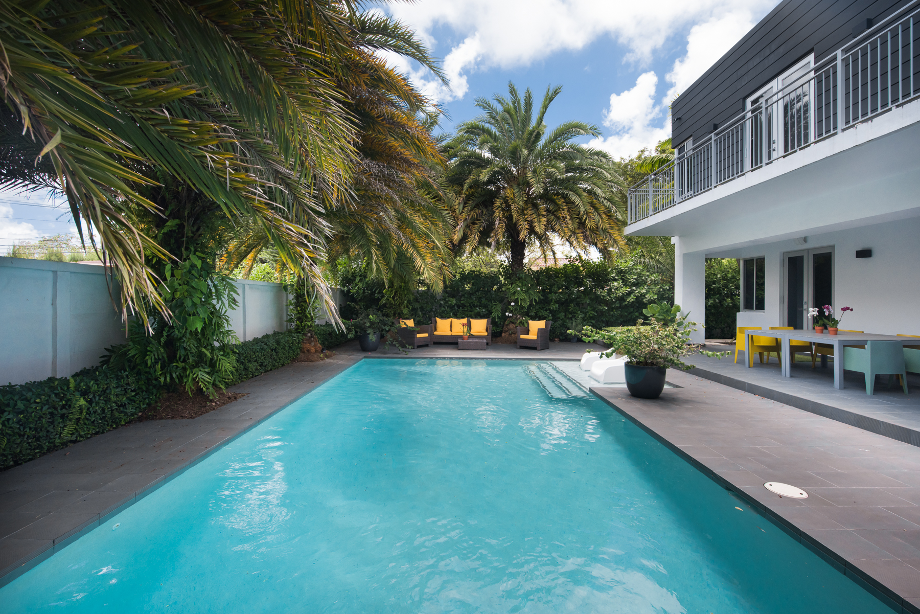 22 Refreshing Tropical Pool and Patio